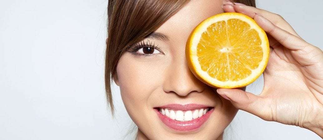 Vitamin C Found to Significantly Cut Cataract Risk 2
