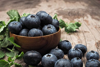 Researchers Find Compounds in Blueberries Help Kill Cancer