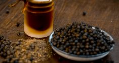 Black Pepper Extract Benefits: Boost Nutrient Absorption and More